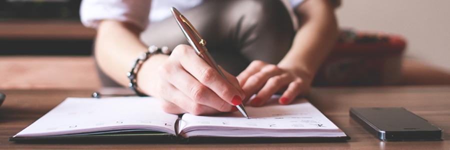 woman_writing_in_diary